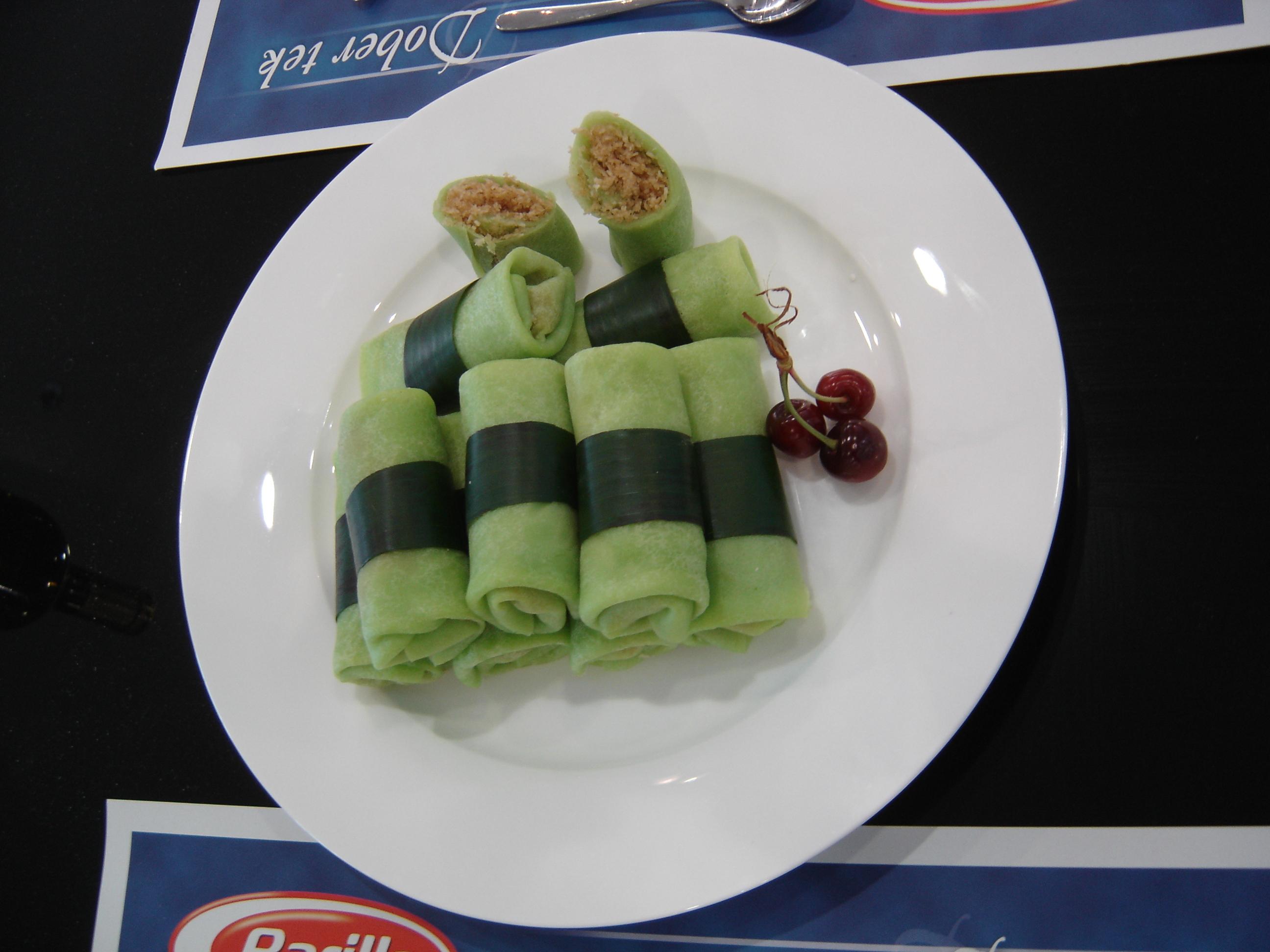 Tasty indonesian food dessert and sweet dadar gulung forumfinder Images