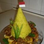 Nasi Tumpeng Kuning
