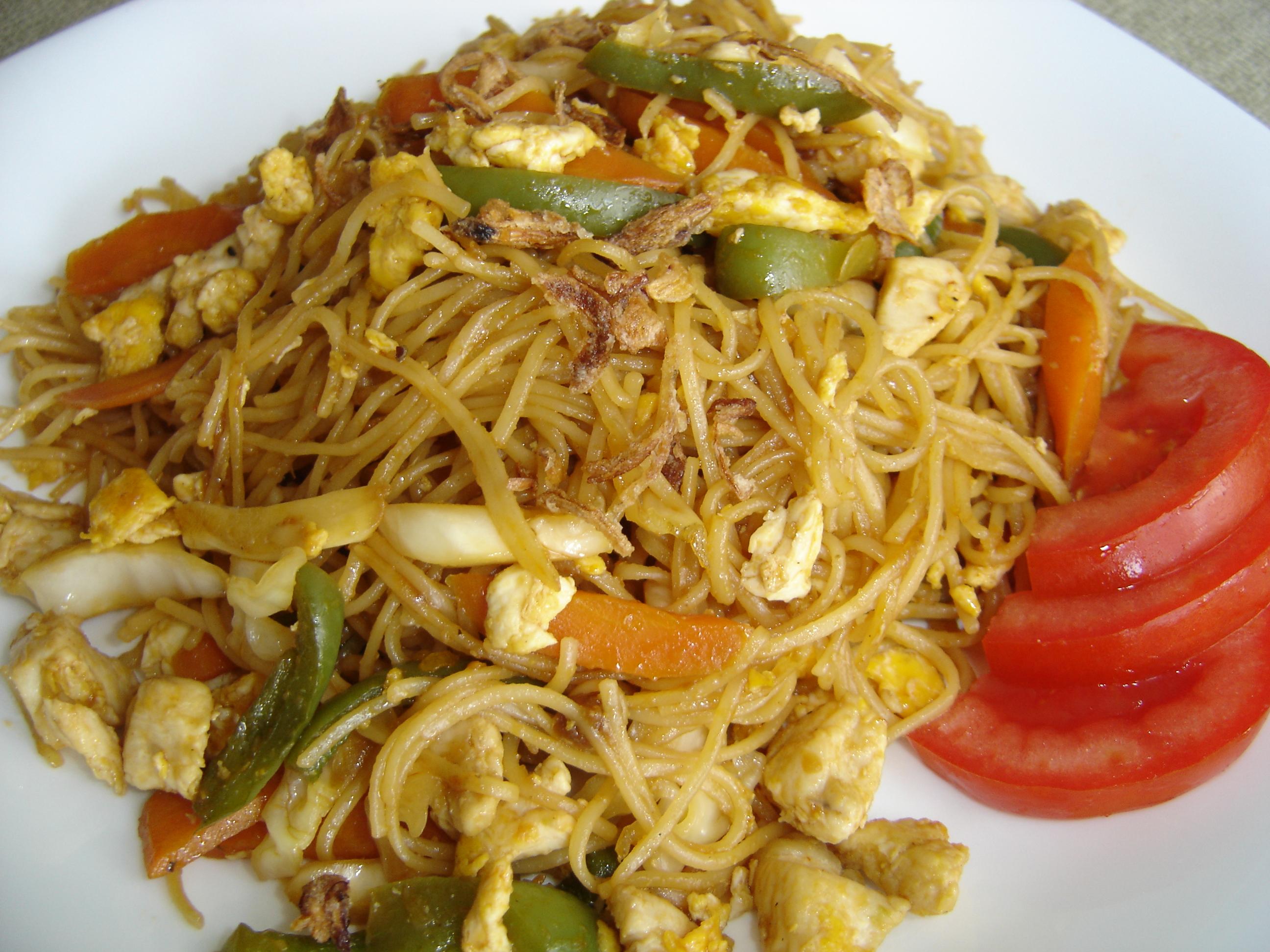 Tasty Indonesian Food - Mie Goreng Ayam Oyster Eating Salt